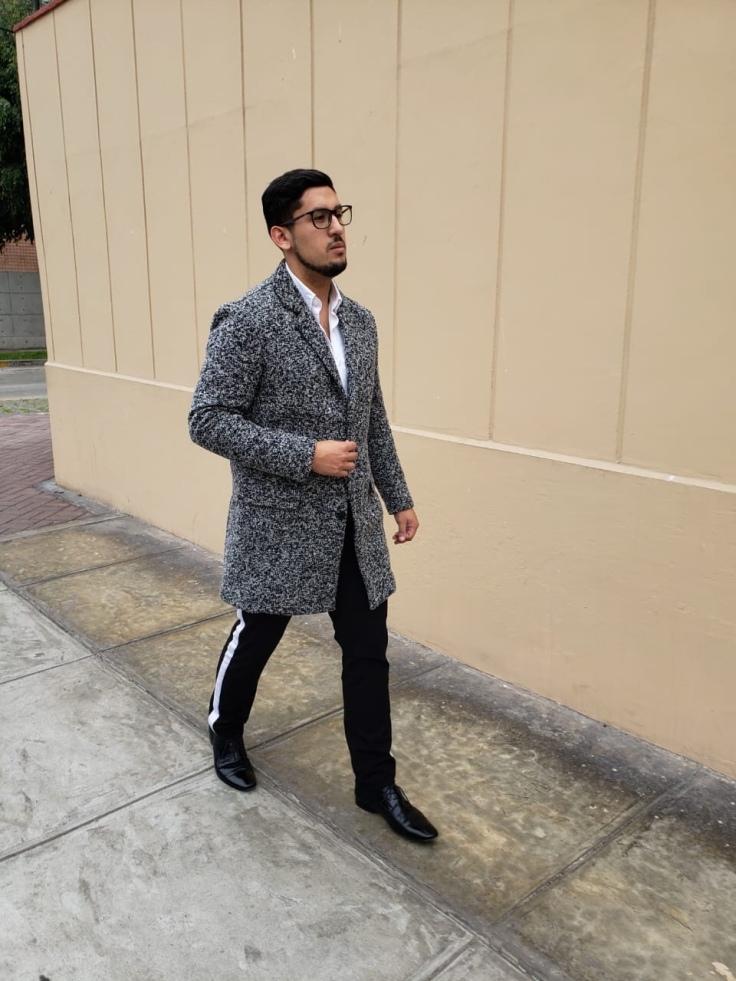 8d6b430995f Este abrigo, más allá de abrigar muy bien, lleva nuestro look a un  siguiente nivel tanto en elegancia como en moda.